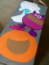How to make a halloween bean bag toss